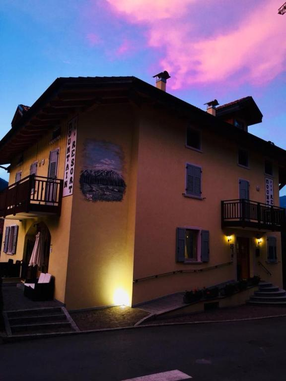 Hotel Mountain Resort, Commezzadura – Precios actualizados 2019