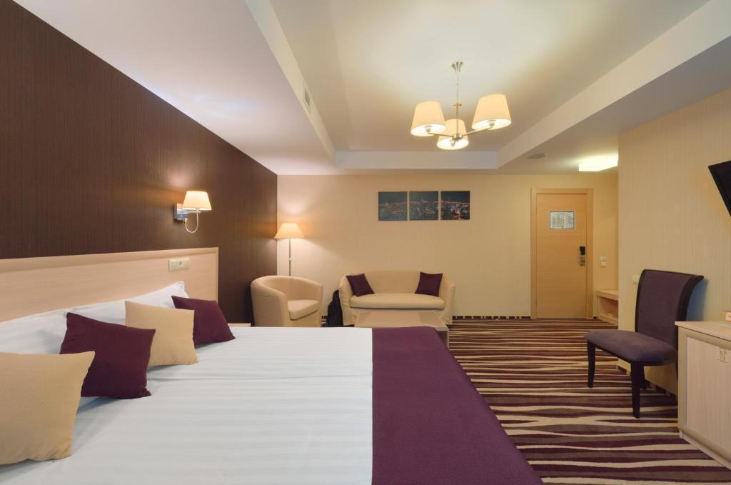 Гостиная зона в Отель Дегас Лайт