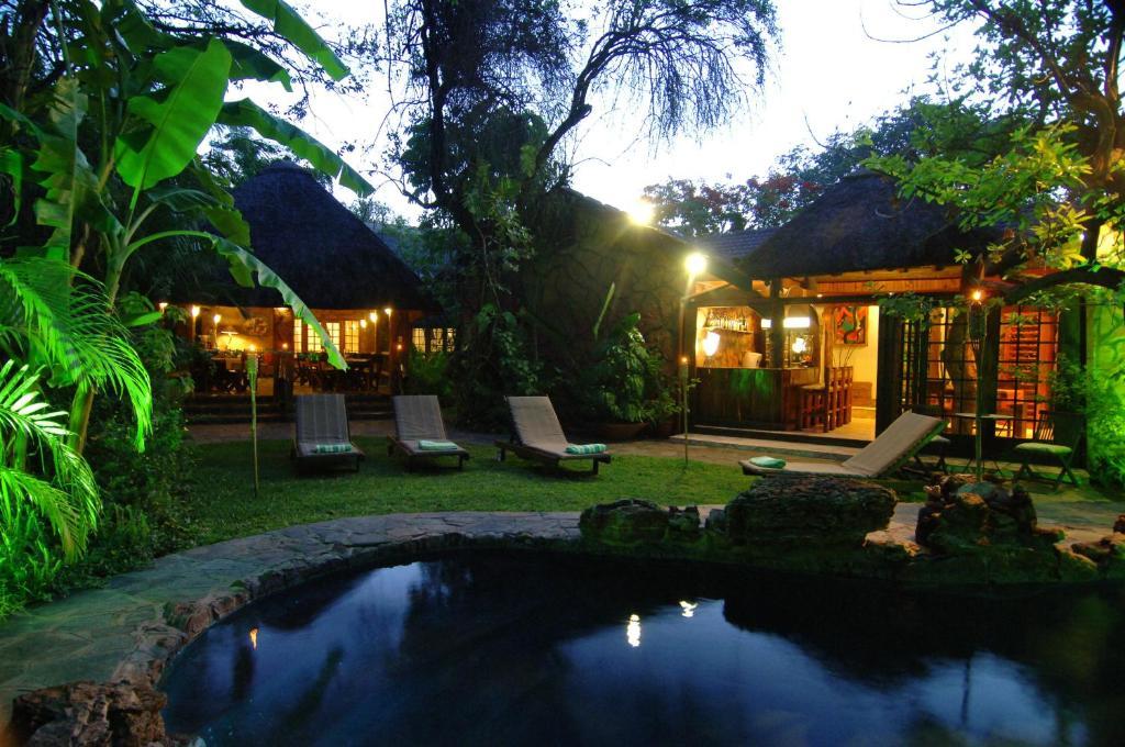 Kaia Tani Exclusive Guesthouse 내부 또는 인근 수영장
