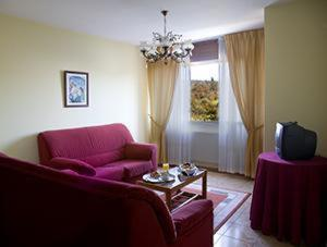 A seating area at Hotel Millan