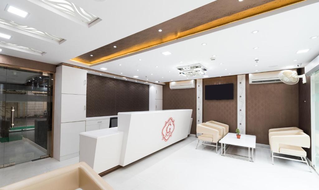 Hotel Treebo Trend Glorious Rim Rocks Palace, Kolkata, India