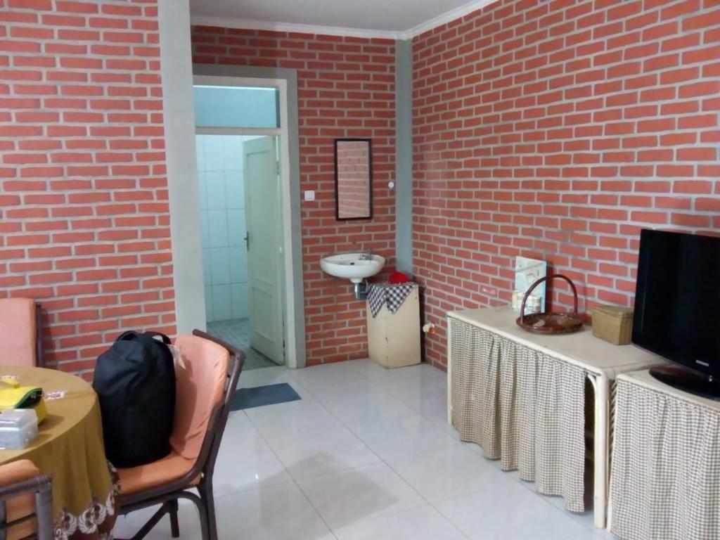 Villa Bata Merah Lembang Booking Com