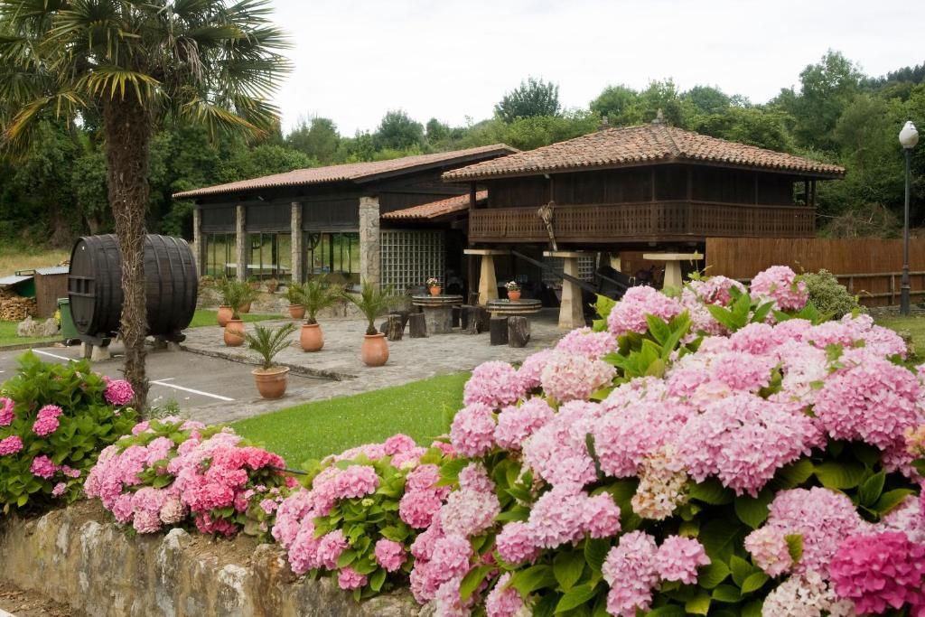 Hotel El Foyu (España Colunga) - Booking.com