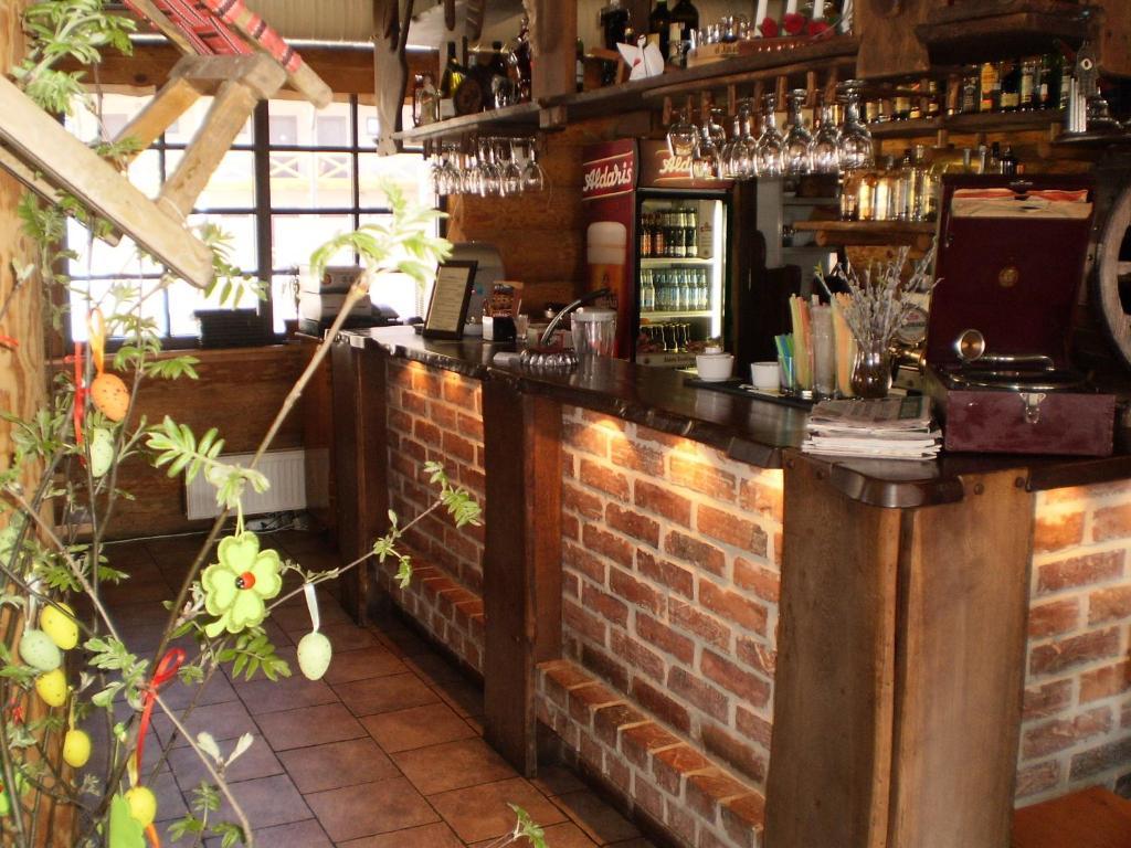 The lounge or bar area at Visdari