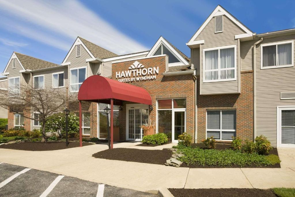 Hawthorn Suites by Wyndham Philadelphia Airport.