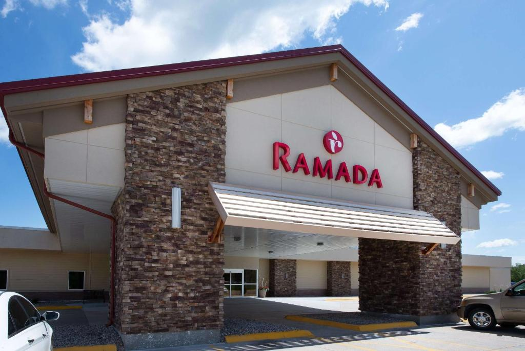 Ramada Columbus Hotel and Conference Center