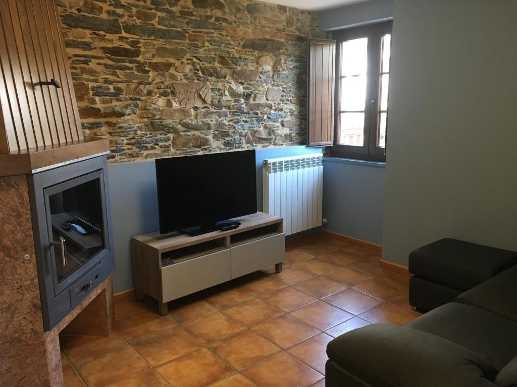 Apartamentos Carola (Espanha San Tirso de Abres) - Booking.com