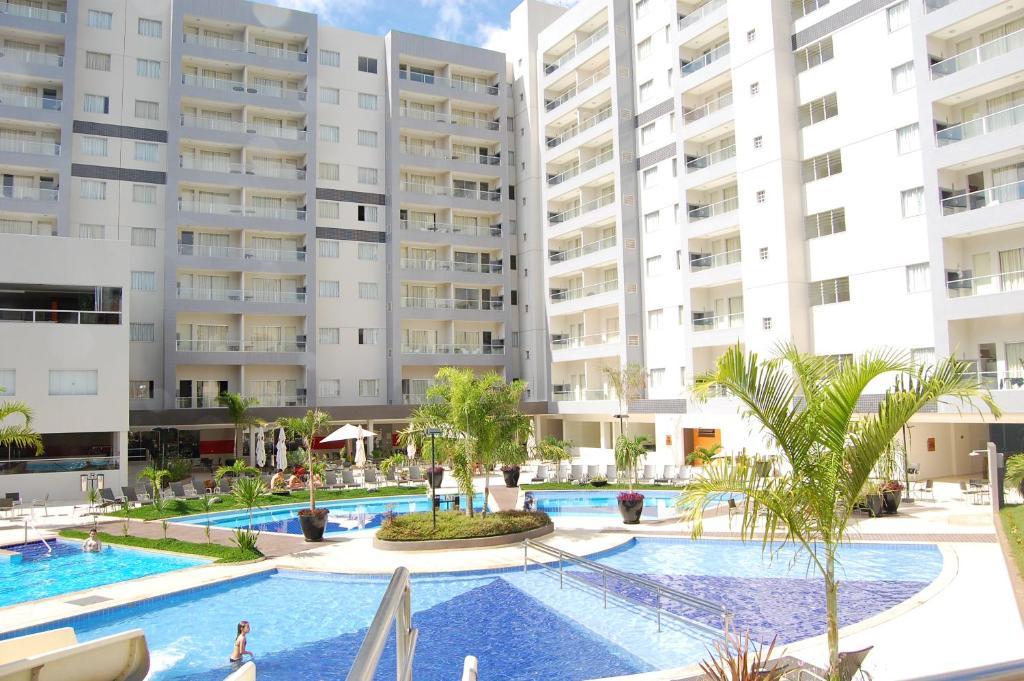 The swimming pool at or near Veredas do Rio Quente Flat