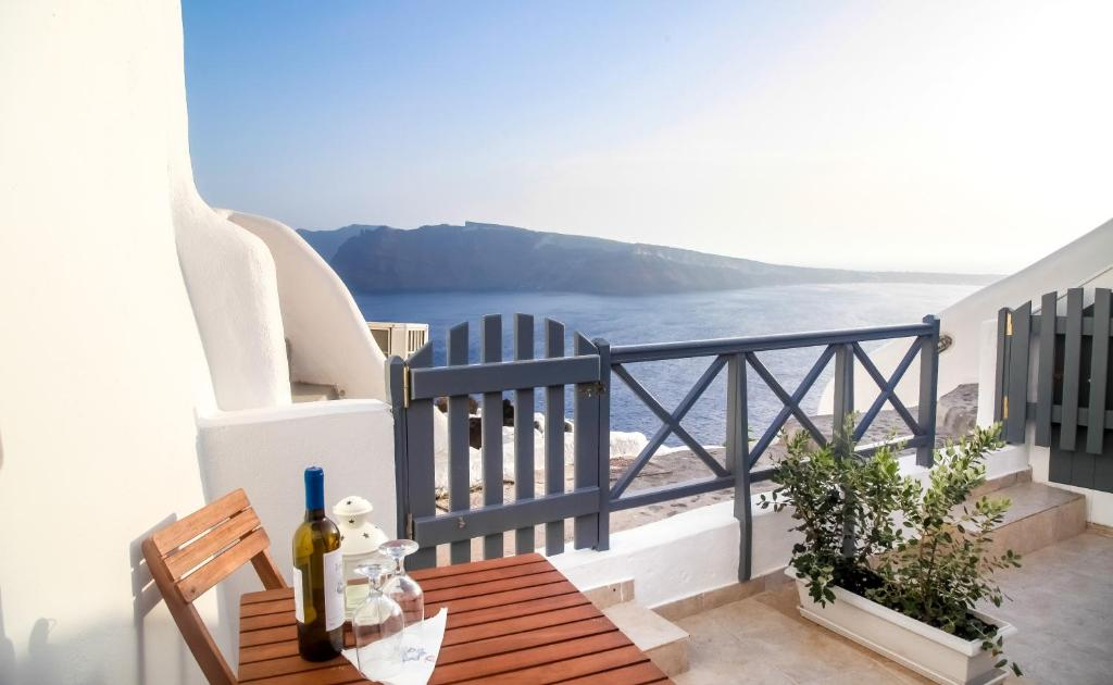 157133313 - Onde se hospedar em Santorini: Onde ficar e dicas de hotéis - santorini, ilhas-gregas, grecia