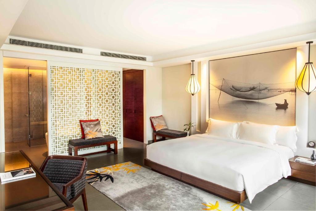 Phòng Grand có Giường cỡ King với Ban công và Tầm nhìn ra Khu vườn