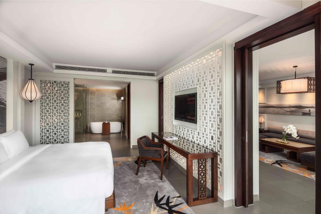 Suite Nhìn ra biển với 2 Phòng ngủ và Hồ bơi