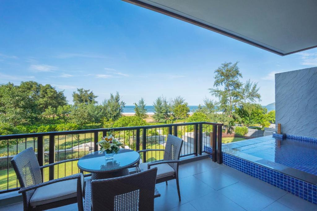 Suite Junior có Giường cỡ King Nhìn ra Biển và Hồ bơi riêng