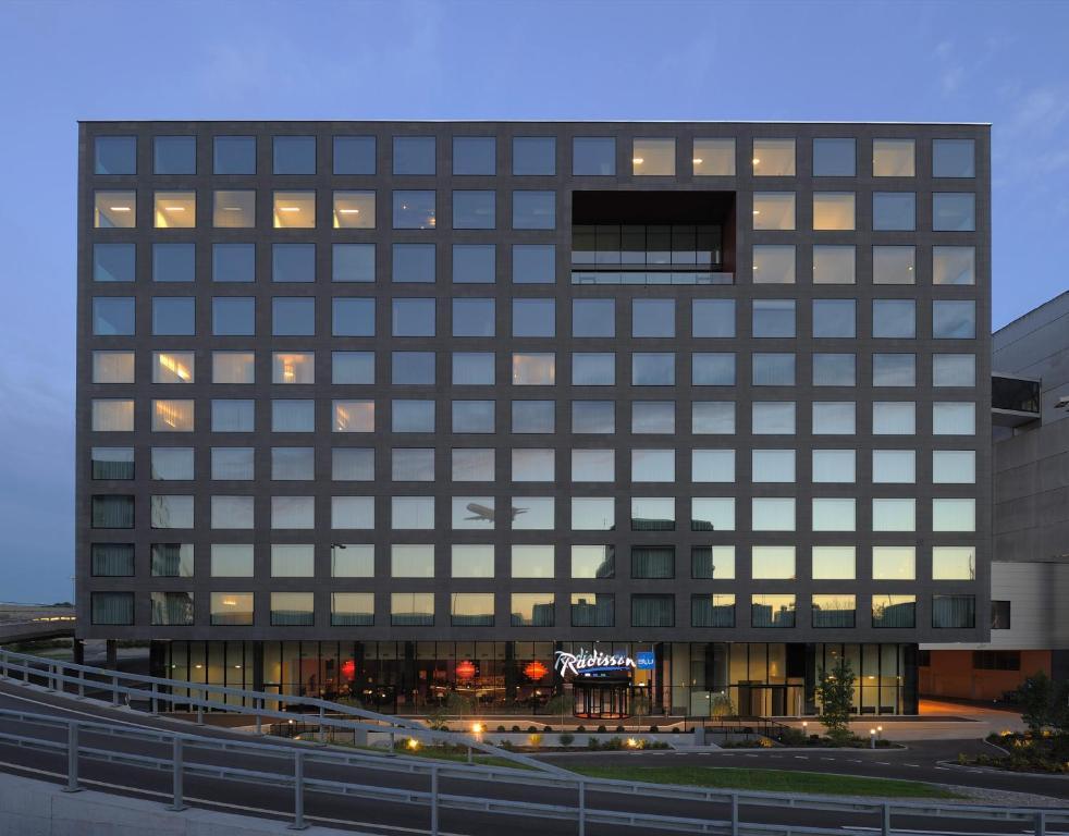 Radisson Blu Hotel Zurich Airport.