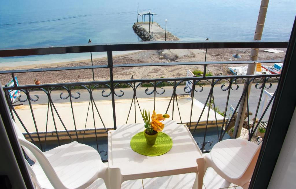 A balcony or terrace at Riviera Beach Hotel