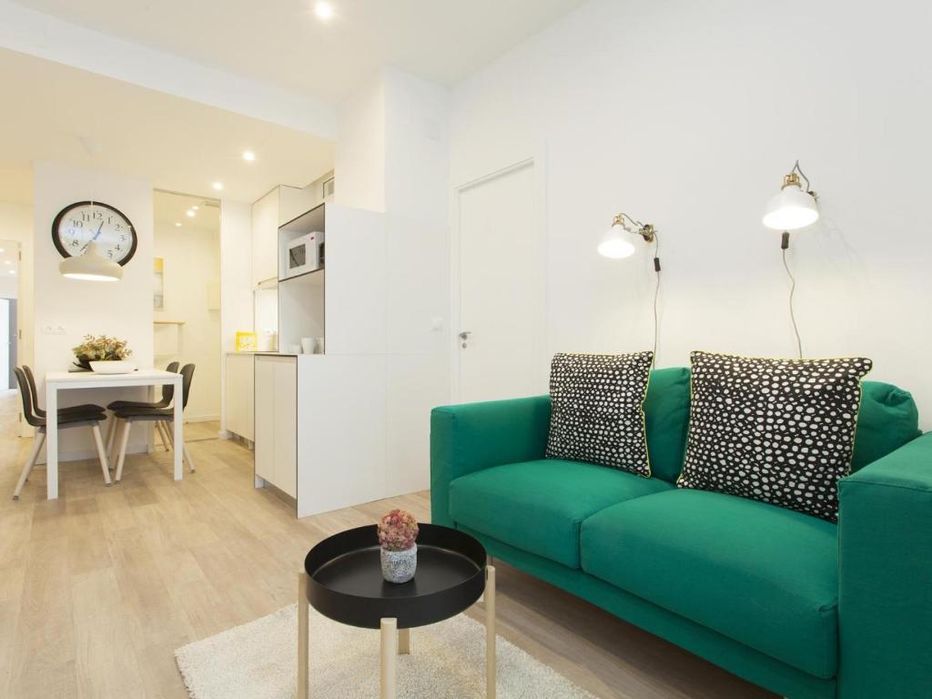 Stylish Sagrada Familia Apartment, Barcellona – Prezzi ...