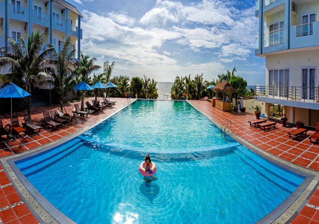 Tropical Ocean Resort
