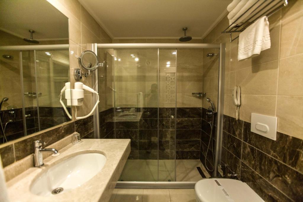 Ванная комната в Miss Istanbul Hotel & Spa