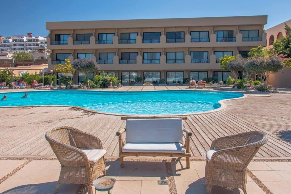 The swimming pool at or near Apartment in Hurghada 174