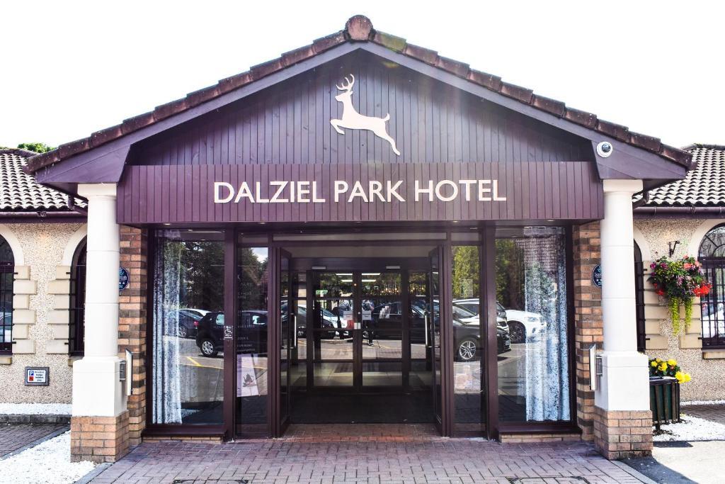 The facade or entrance of Dalziel Park Hotel