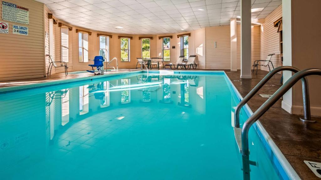 Best Western The Hotel Chequamegon Ashland Wi Booking Com