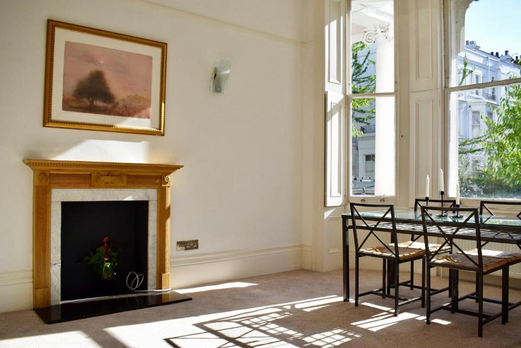 1 Bedroom Townhouse Apartment in Notting Hill, London (with ...