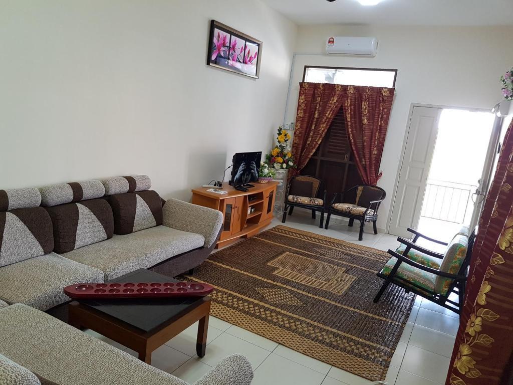 A seating area at Homestay Melaka Tradisional Bandar Hilir