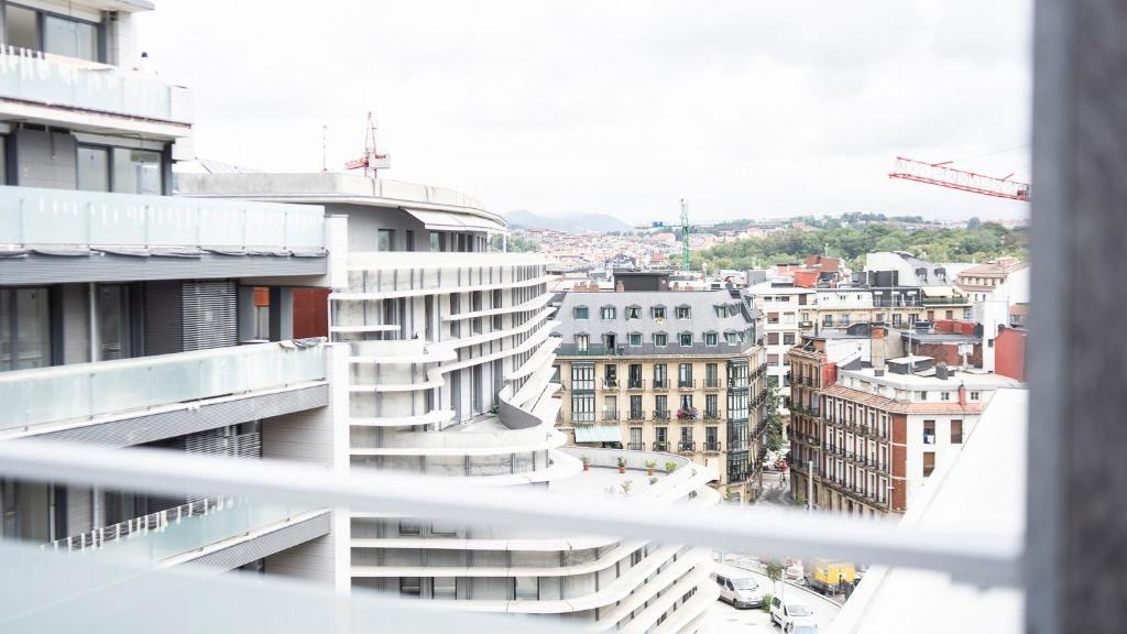 Central Luxury Terrace - SSHousing, San Sebastián – Precios ...