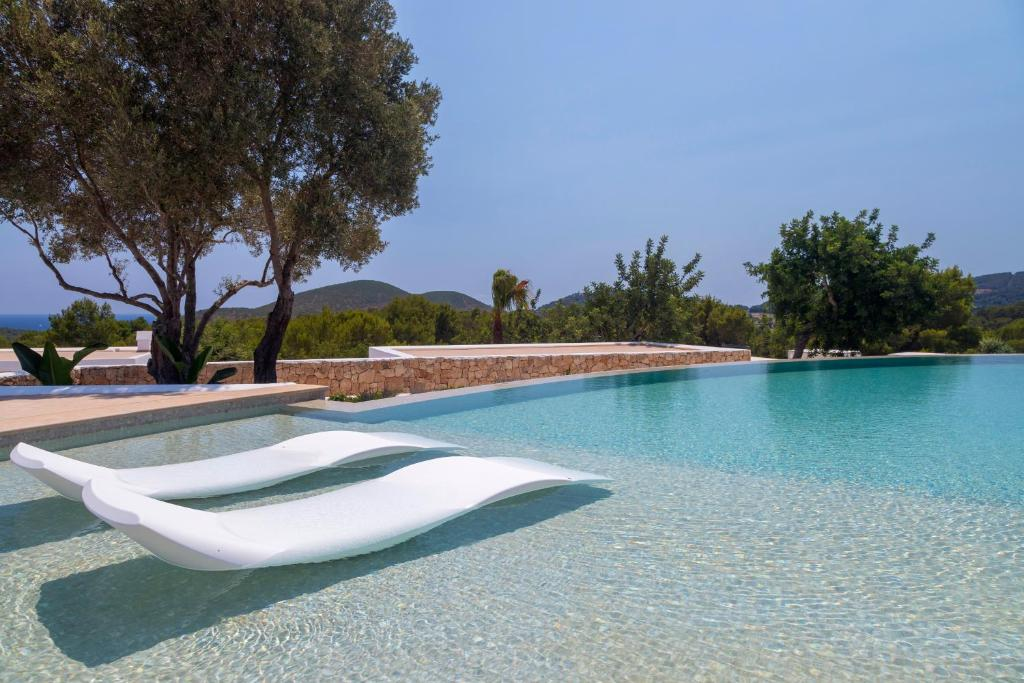The swimming pool at or near Agroturismo Can Toni Xumeu
