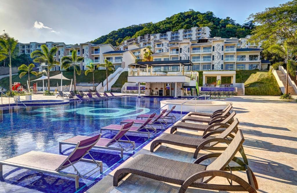 The swimming pool at or near Planet Hollywood Beach Resort Costa Rica - All Inclusive