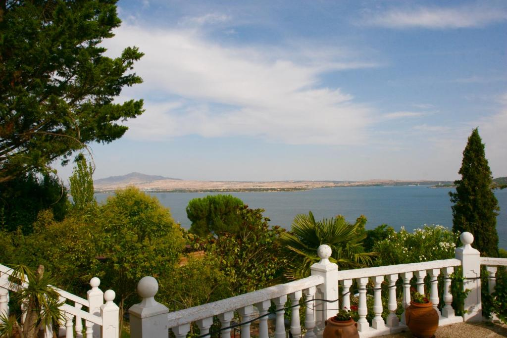 Family Villa - Magnificent Views, Manzanares el Real, Spain ...