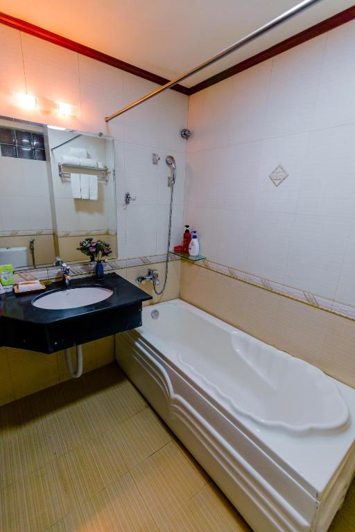 Phòng Deluxe Giường Đôi/2 Giường Đơn Nhìn Ra Thành Phố