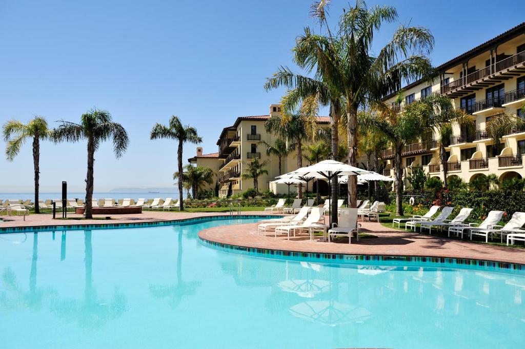 The swimming pool at or close to Terranea - L.A.'s Oceanfront Resort