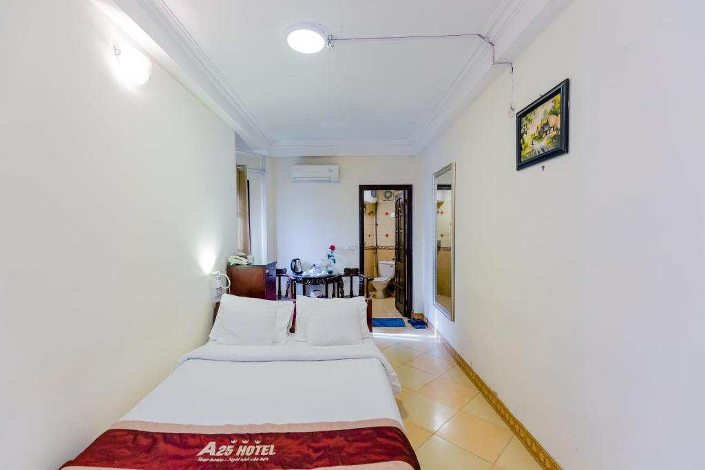 A25 Hotel - Doi Can