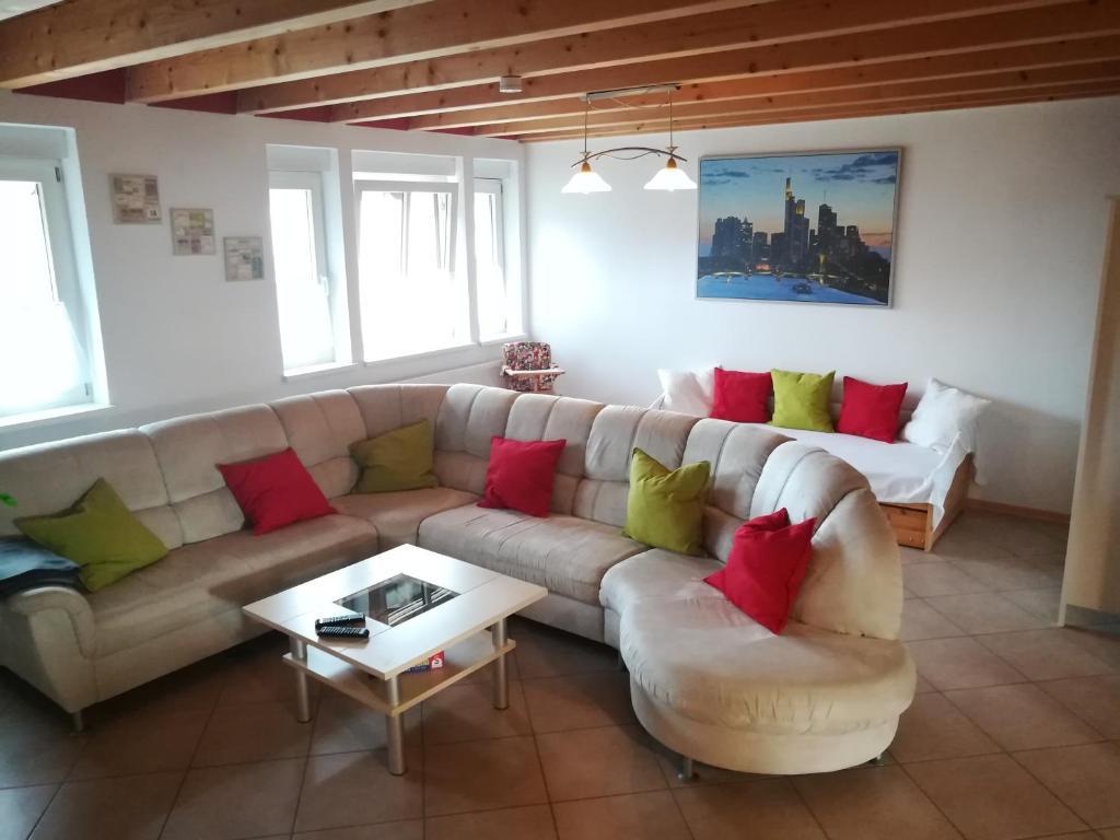 Ein Sitzbereich in der Unterkunft Appartement Lardenbach