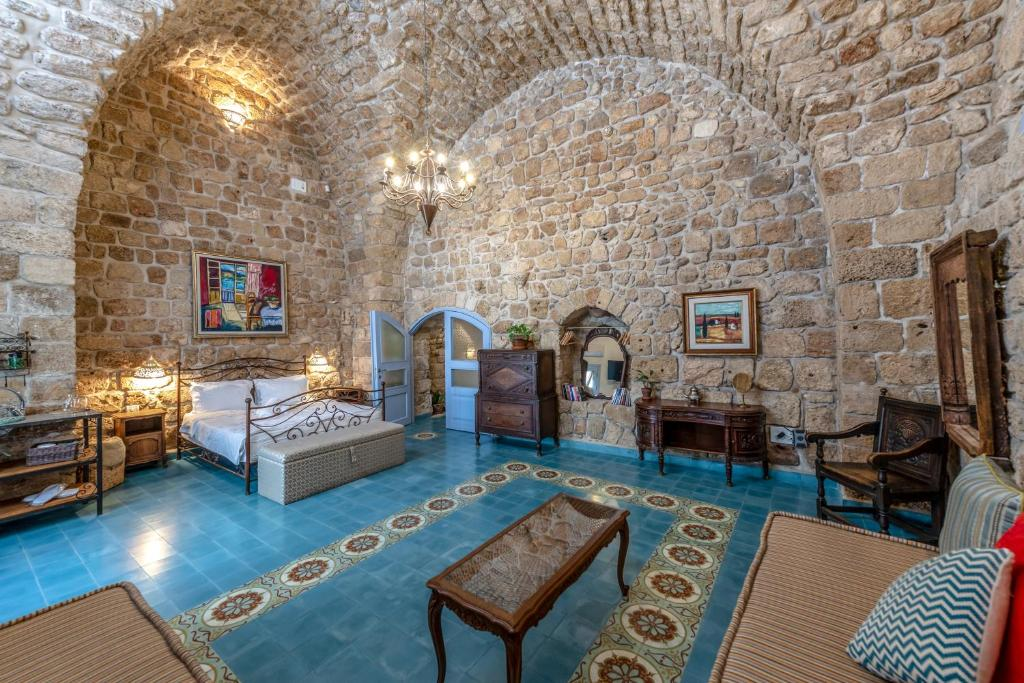 Arabesque Arts & Residency