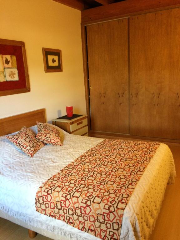 Una cama o camas en una habitación de 678 Mascardi Roca Malen