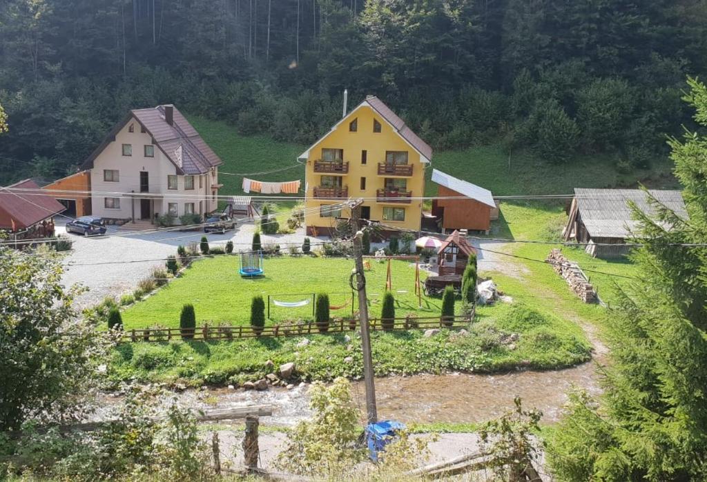 Pensiunea Emanuel Romania Garda De Sus Booking Com