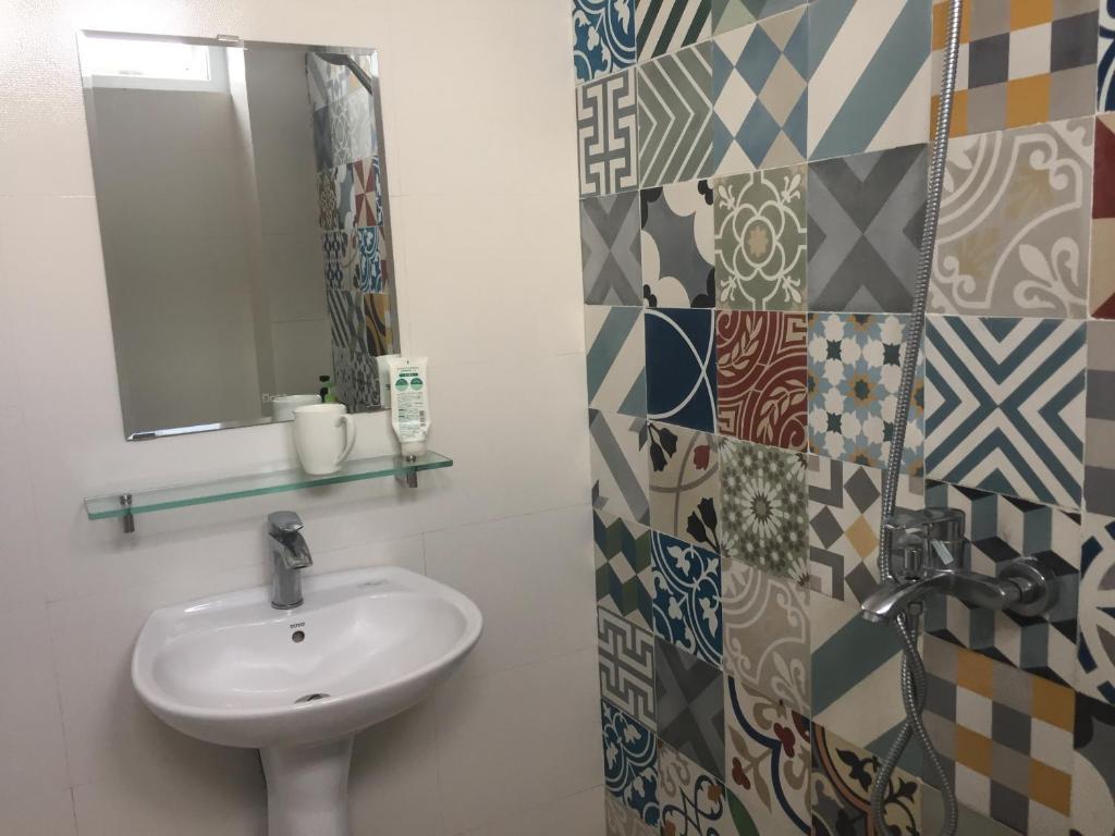 Phòng gia đình với phòng tắm riêng.