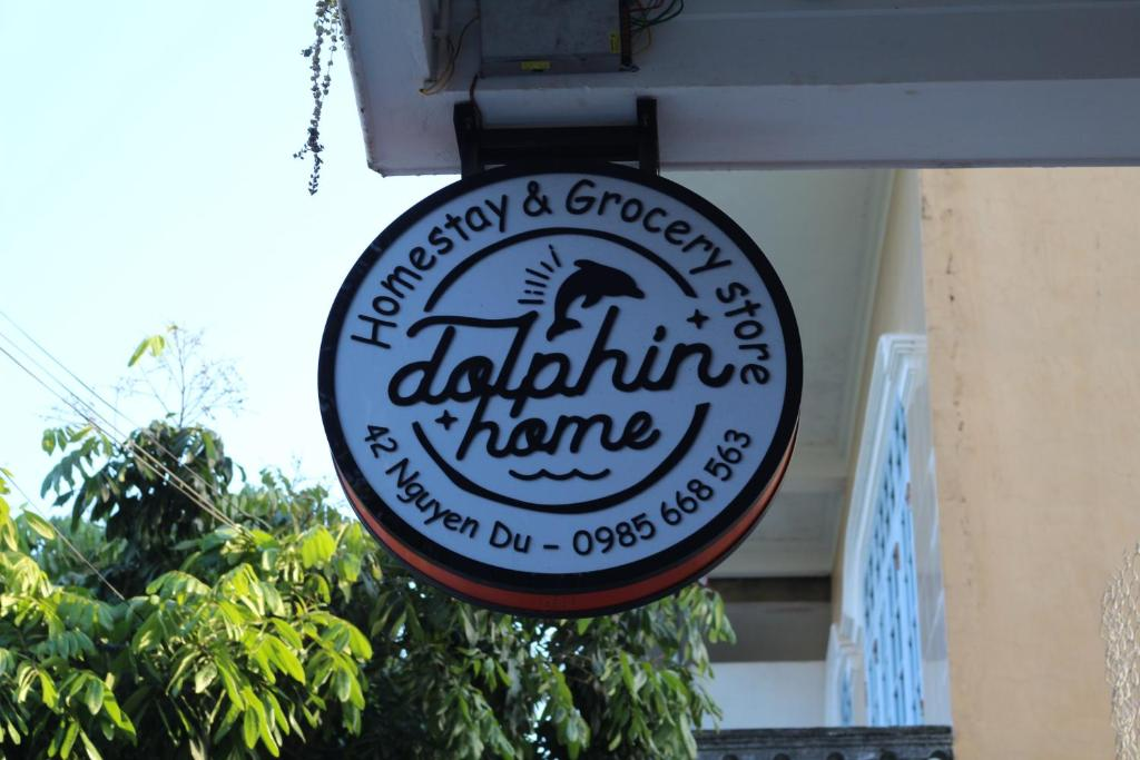Dolphin Home