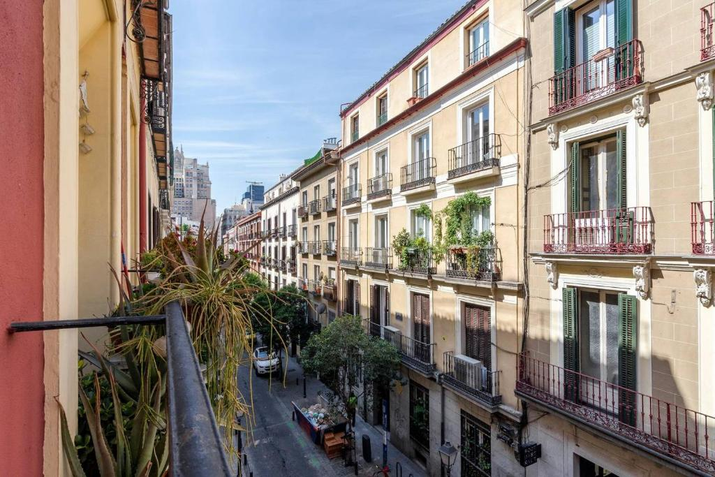 Brand New Apartment next to Gran Via, Centre, Madrid (with ...