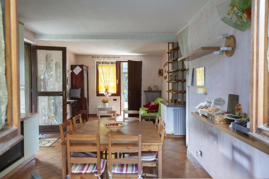 La casa di Benny B&B, Cardano al Campo, Italy - Booking.com