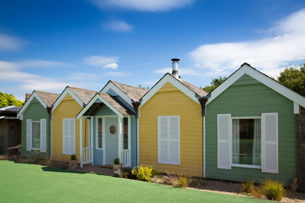 Holiday Home The Beach Huts Chichester Uk Bookingcom
