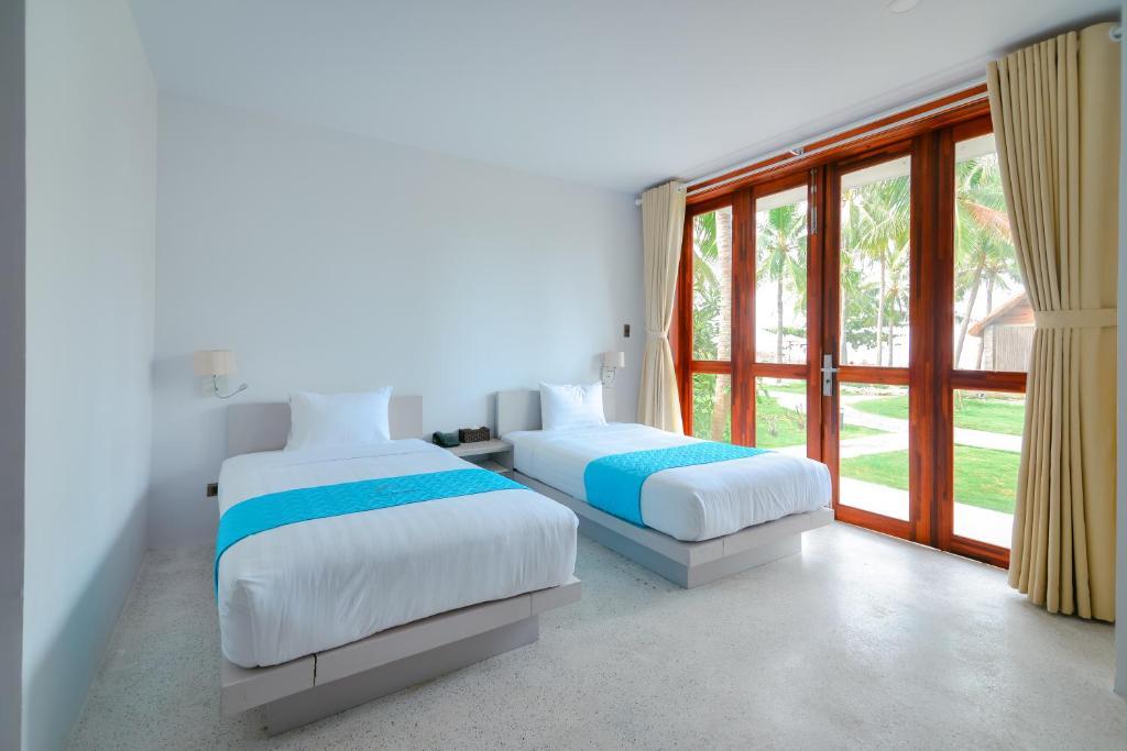 Phòng 2 Giường Đơn Nhìn Ra Hồ Bơi
