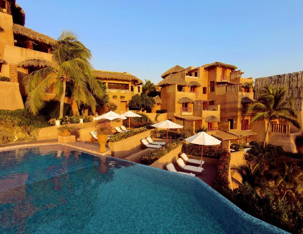 Booking.com: Hotel La Casa Que Canta , Zihuatanejo, México ...