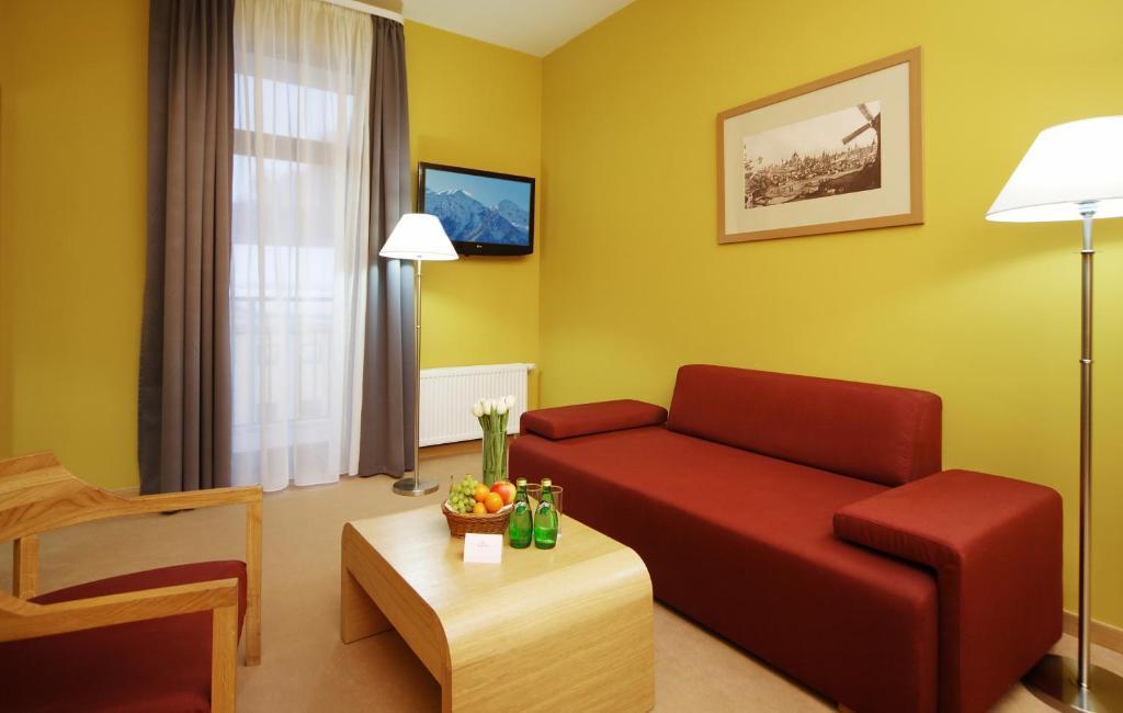 Гостиная зона в Tulip Inn Rosa Khutor Hotel