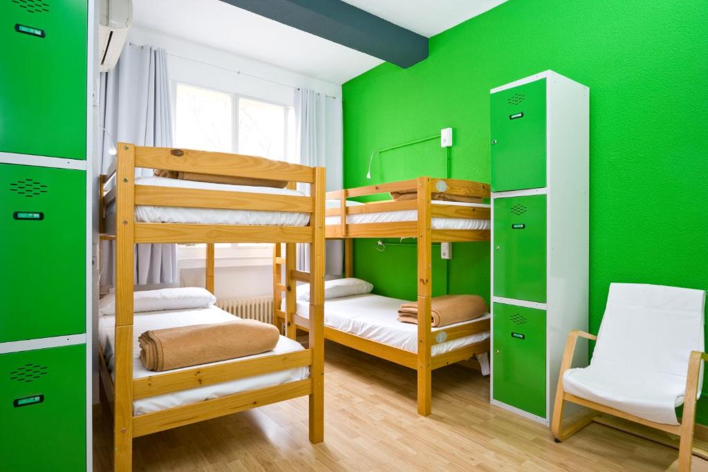 Letto o letti a castello in una camera di Madrid Motion Hostels