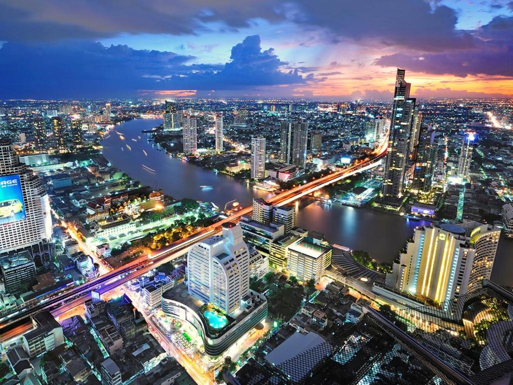 A bird's-eye view of Centre Point Silom