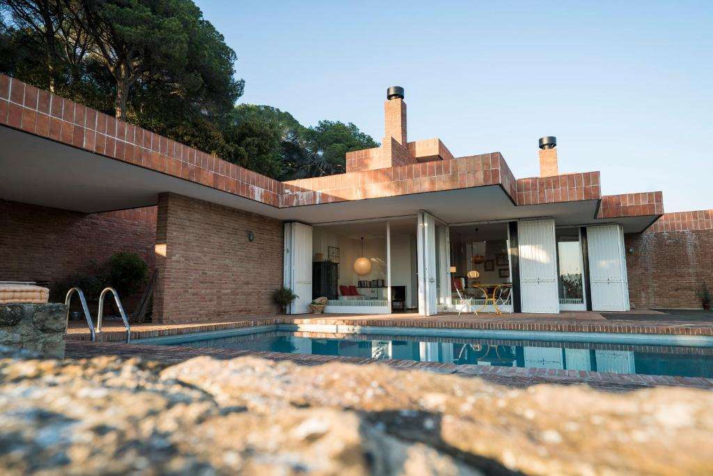 Villa 400m2 swimming pool. Architect Coderch. 35min BCN ...