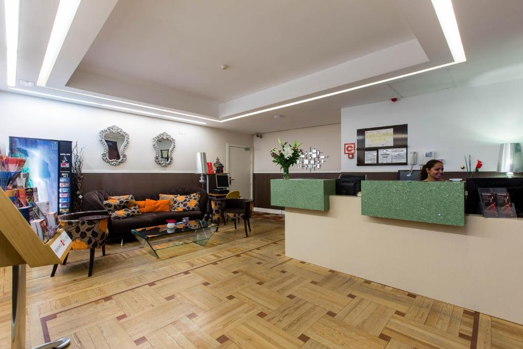 Hostal Abadia Madrid, Madrid (with photos & reviews ...