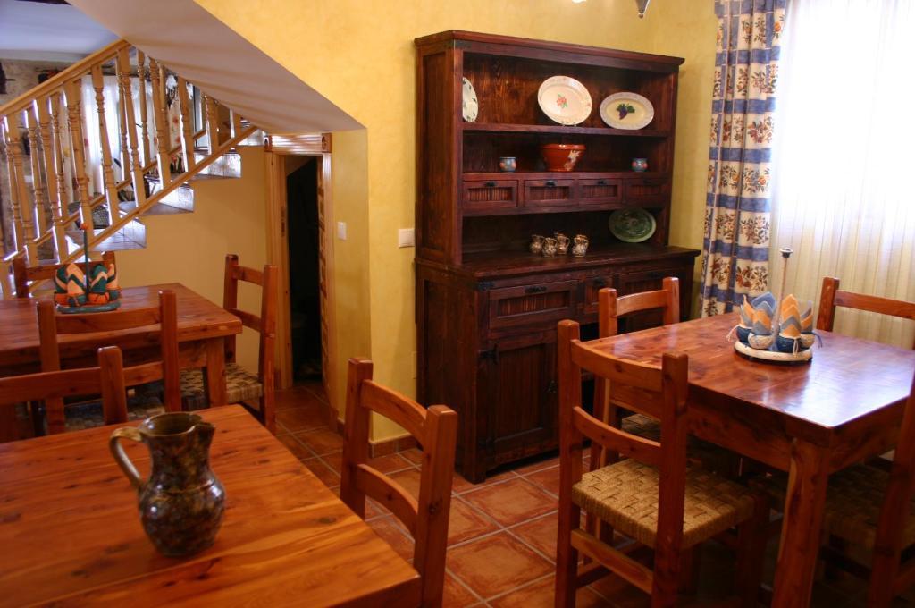 Casa Rural Valle Esgueva (España Burgos) - Booking.com